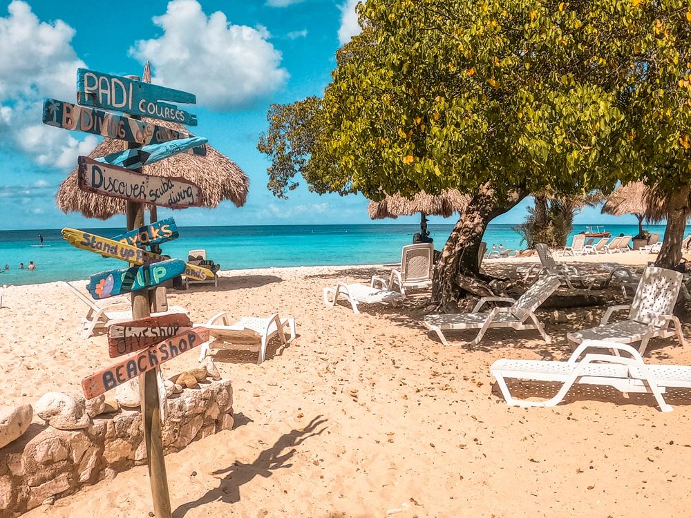 Cas abou 2 1 klein - De stranden van Curaçao die je niet mag overslaan