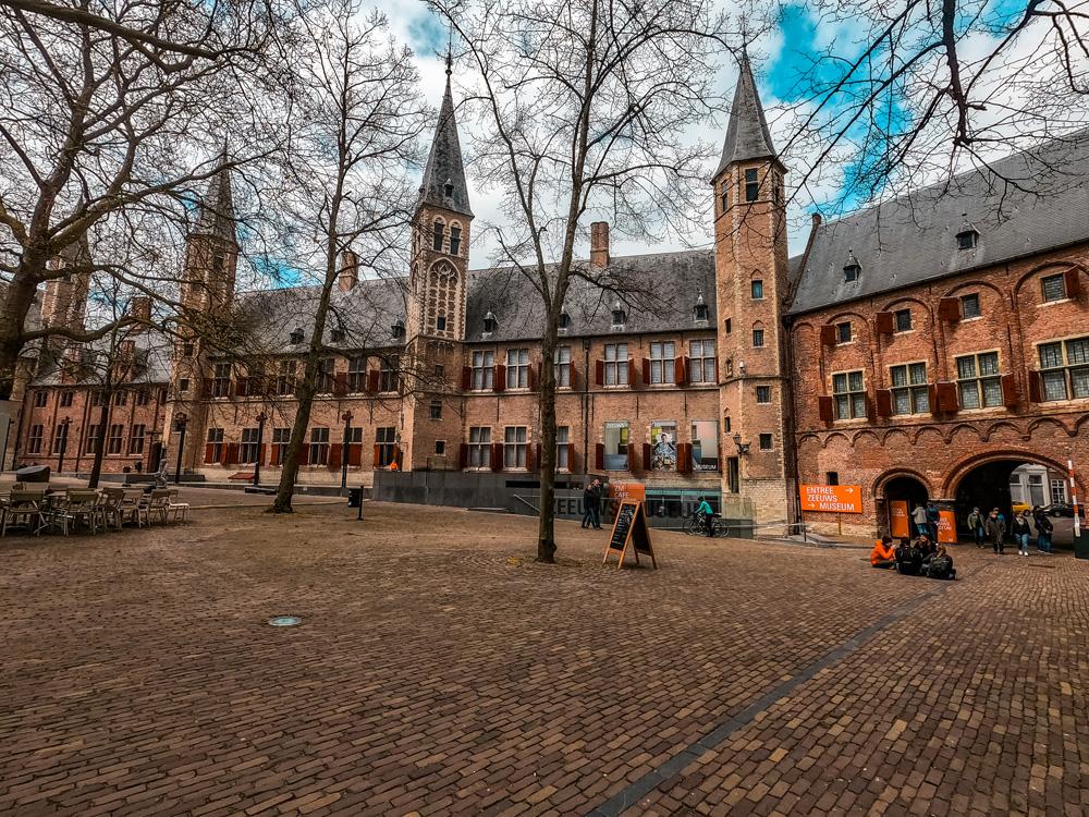 Abdij middelburg klein - De 7 mooiste gebouwen van Middelburg in foto's