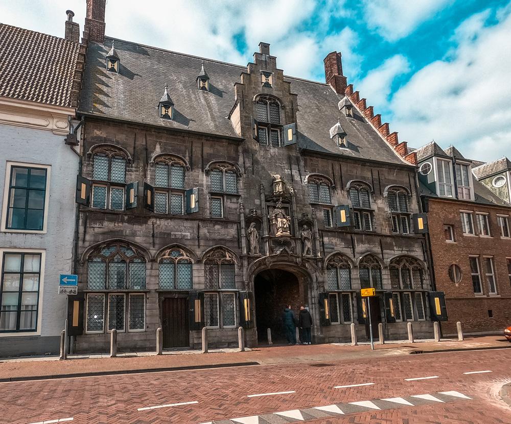 Gistpoort middelburg klein - De 7 mooiste gebouwen van Middelburg in foto's