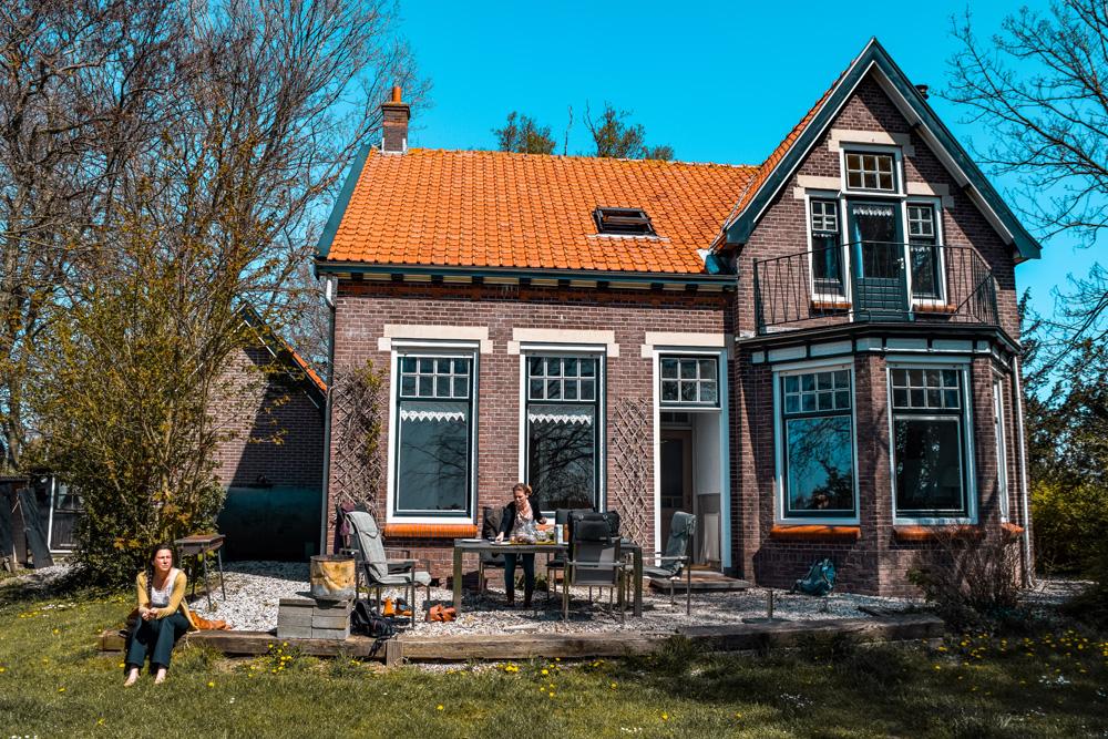 Huize Adriana Wolphaartsdijk klein - Slapen in het huis van boer Bastiaan van Boer zoekt Vrouw? Het kan!