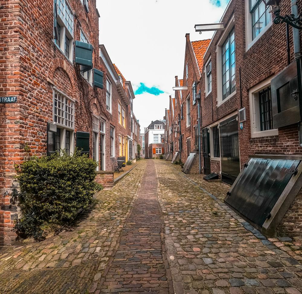 Kuiperspoort middelburg klein - De 7 mooiste gebouwen van Middelburg in foto's