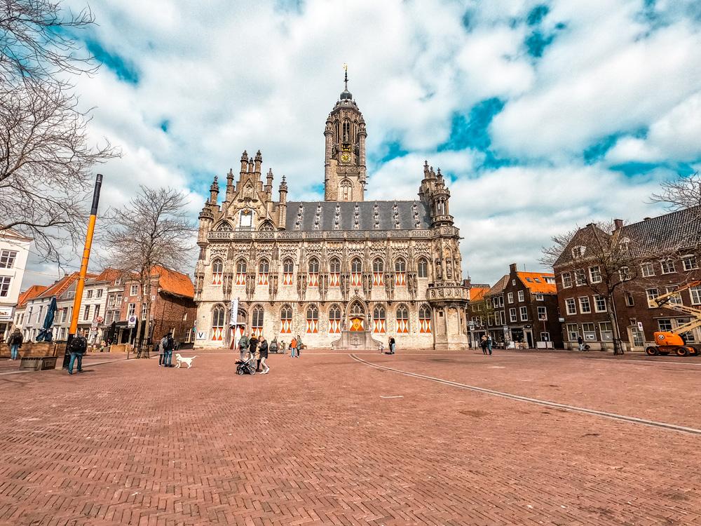 Stadhuis middelburg klein 2 - De 7 mooiste gebouwen van Middelburg in foto's