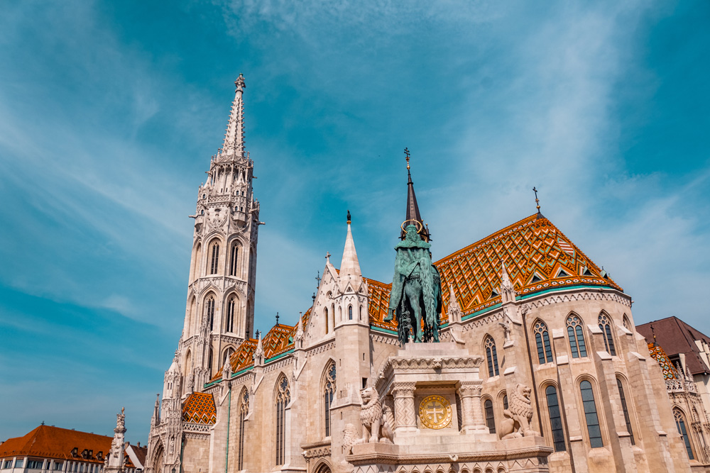 Matthiaskerk Boedapest - 24 uur in Boedapest: bezienswaardigheden en tips